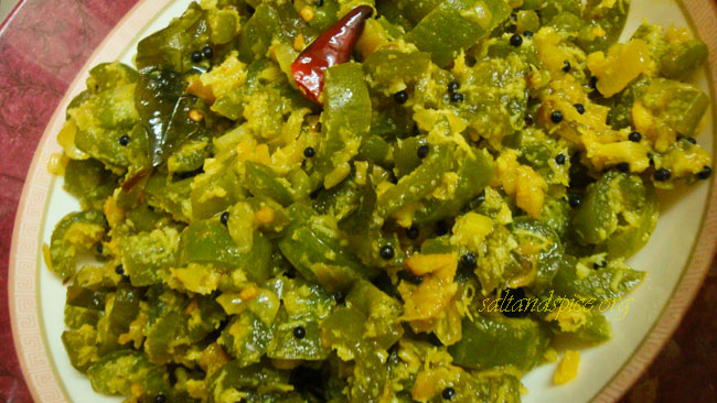 Kerala vegetarian recipes salt and spice snake gourd and coconut stir fry padavalanga thoran forumfinder Choice Image