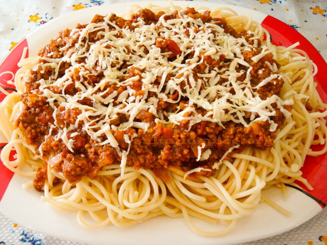 spaghetti-bolognese-(1)